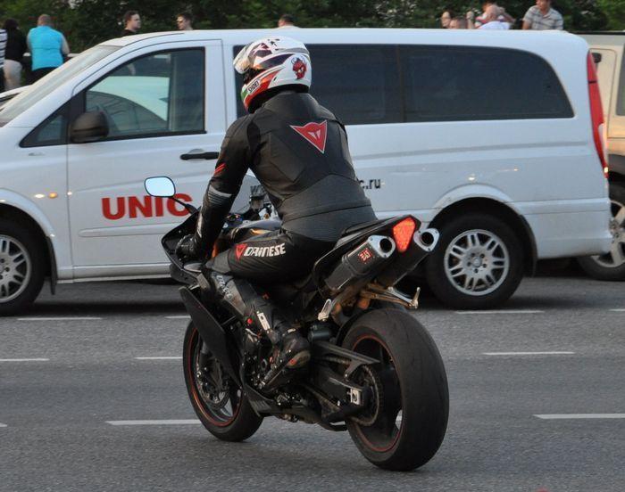 штраф за езду на мотоцикле без номера