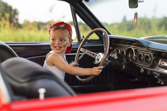 как зарегистрировать авто на ребенка