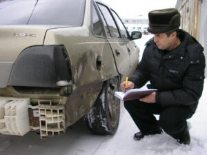 осмотр автомобиля после дтп