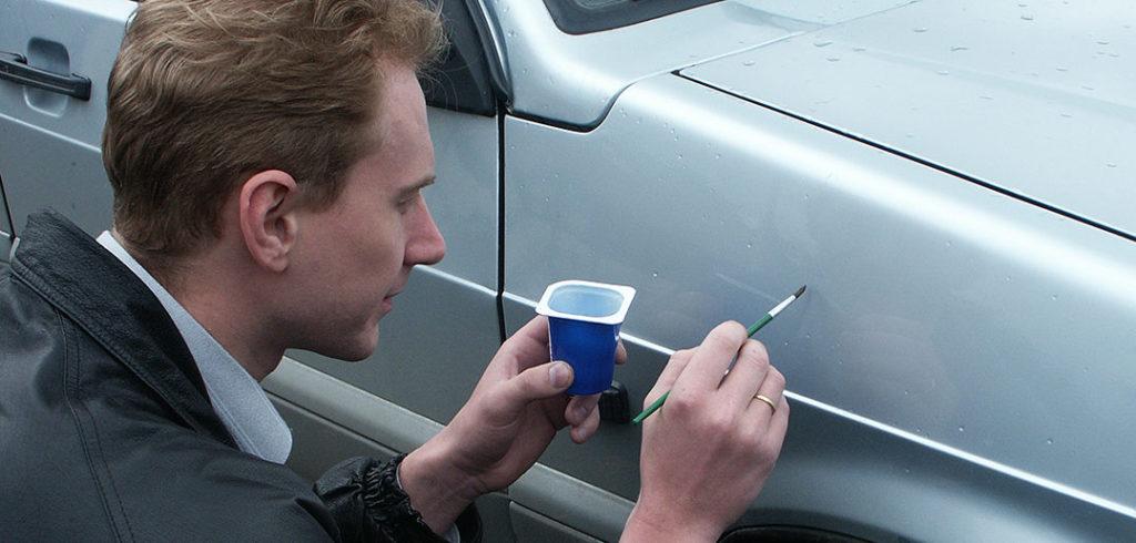 Как закрасить сколы на машине1